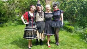Fanny, Delphine Hubin, Xavier Thibaut, EmilieAnneCharlotte pendant l'enregistrement d'une émission pour France 3 Picardie.